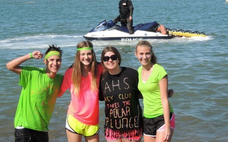 Key Club 4 students in the Polar Plunge